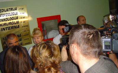 Predsjednik RH Stjepan Mesić u posjeti bolesnicima (1)